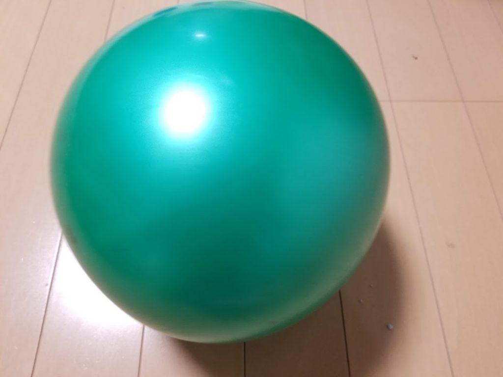 室内遊びにボールは欠かせない